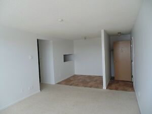 3 Bedroom apartment available $760!