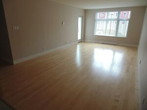 2 Bdrm apartment minutes from Signal Hill!