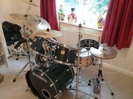 Yamaha Oak Custom drum kit, Zildjian+Sabian cymbals, all hardware plus extas! Fantastic sounding kit