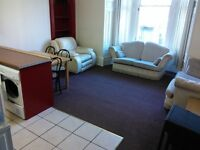 BEAUTIFUL 4 BEDROOM STUDENT FLAT IN DUNDEE CITY CENTER, CLOSE TO UNIVERSITY OF DUNDEE (11WH2L)