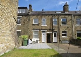 MODERNISED 4 BEDROOM HOUSE IN LOCKWOOD - PERFECT STUDENT HOME £1100/Month INC BILLS