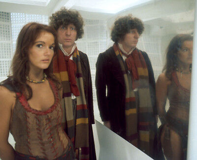Tom Baker and Louise Jameson UNSIGNED photo - H2480 - Doctor Who