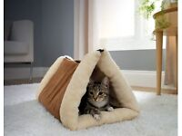 Brand Bew 2 in 1 Tunnel bed Mat for Cats or Dogs