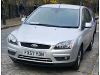 Ford Focus titanium, AUTOMATIC, long MOT , very low mileage, just like new