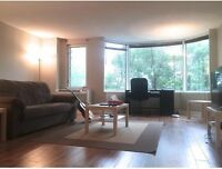 Large & elegant 3 1/2, all charges included, pool