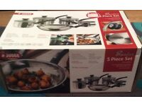 Brand new 5 piece set from Judge 4 saucepans and 1 frying pan. Normal cost is £168 .