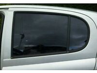 Toyota yaris 01 tinted glass for rear doors