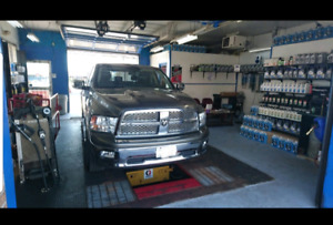 Pocket friendly Oil changes! Car wash incl! Warranty approved!