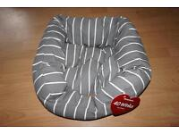 Small dog bed BNWT