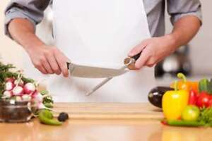 Experienced Cook is looking for full time