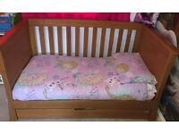Cot bed - Solid Oak - Mamas and Papas