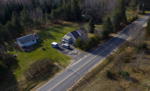 Large home, country setting, detached workshop/garage w/ hydro