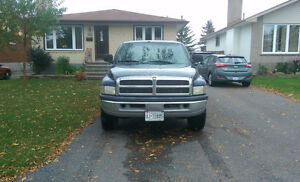 2000 Dodge Power Ram 2500 laramie Pickup Truck