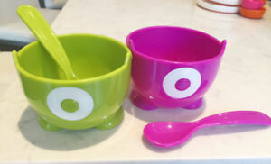 Modern kids eating accessories (plate, snack ball, bowl set)