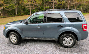 2011 Ford Escape, manual transmission, with trailer hitch