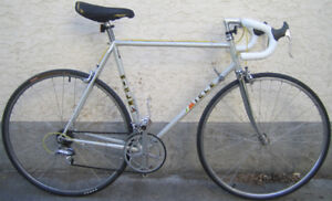 Miele - light weight, tall frame road bike with 700c tires