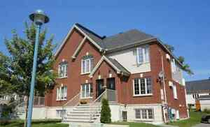 Aylmer – Distinctive - luxurious and sunny  condos with A/C