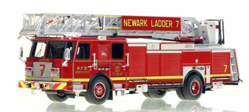NEWARK FIRE DEPARTMENT E-ONE LADDER 7 1/50 Fire Replicas FR054-7