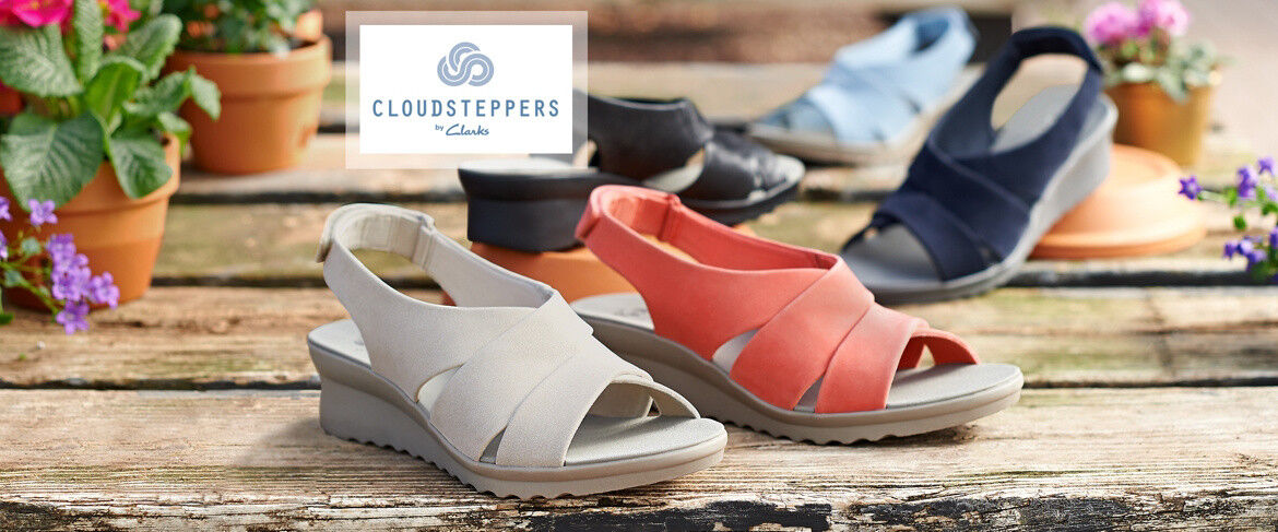 CLOUDSTEPPERS by Clarks Caddell Bright Wedge Sandals