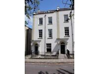 Furnished 2 bed flat in Clifton on rolling monthly contract - no agency fees