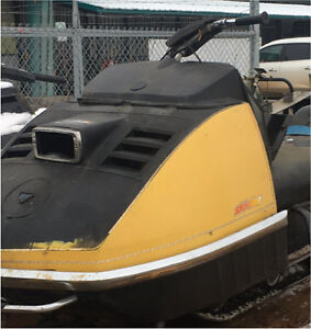 Looking for old sleds ! Will remove old sleds, bikes, etc