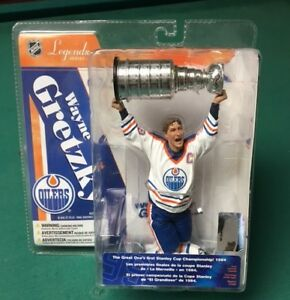 WAYNE GRETZKY Figure (new in box)