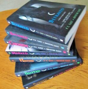 ~HOUSE of NIGHT~~by PC Cast & Kristin Cast~Hardcover & Paperback