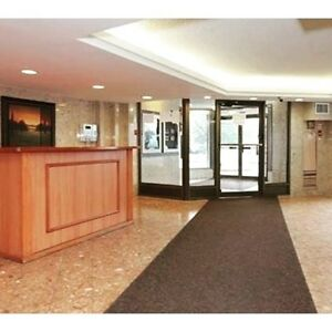 Large 3 Bedroom Apt near Weston/Albion only $ 1800 (Calll)