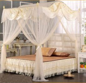 Beautiful luxury cream satin and lace double bed canopy and frame almost new £60