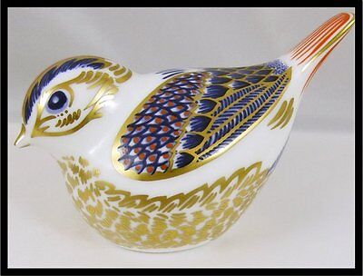Royal Crown Derby Goldcrest Paperweight Gold Stopper