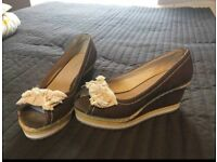 Women shoes size 3
