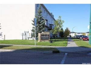 2 Bedroom Townhouse Style Condo in Lakewood Area