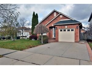 House Detached for rent Stoneycreek mountain