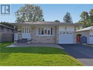 3 bedroom spacious house for rent in high demand area of Oshawa