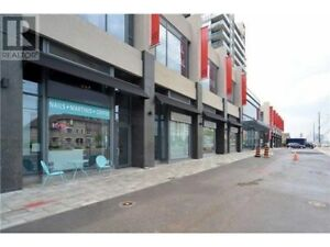 9080 Yonge St #3 Commercial Retail Space for sale