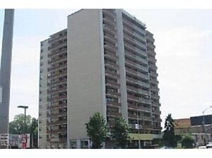 1 bedroom apartment for sale. (Yonge/ Cummer).