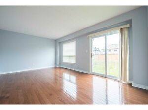 3 bedroom 2.5 bathroom freehold townhouse for rent