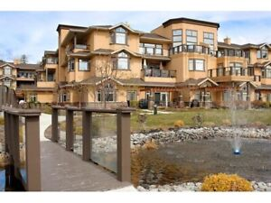 Beautiful 2 bedroom  lakeside view condo for rent in Peachland