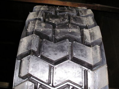 10-16.5 Tires Ti200 Skid-steer Loader 10 Ply Rating Tire 1016.5 Armour 10165