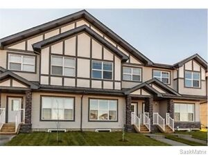 Large Townhome! No Condo Fees! 1426 SQFT
