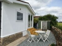 2 Bedroom Residential Park Home in the Cotswold Countryside
