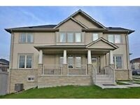 Bright Spacious 3 Bdrm House in Richmond Hill For Rent