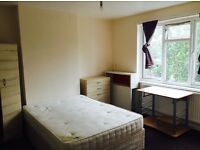 Double rooms available near central line (East acton)!