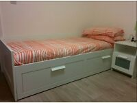 Monday to Friday bedroom with private bathroom in modern flat in the harbourside area