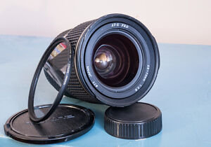 Nikon FX Tokina ATX-Pro 28-70mm f1:2.8 Great Shape Works