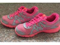Nike revolution2 trainers