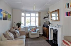 Double room in stunning house- short term only