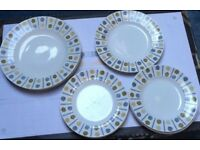 Vintage Retro 8 Piece Midwinter Plates