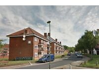 3 bedroom flat in Elmshurst Crescent, East Finchley, N2