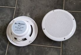 2 White Skytronic 100W Speakers
